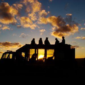 safari truck zonsondergang