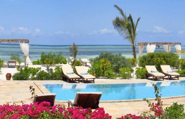 next paradise zanzibar zwembad