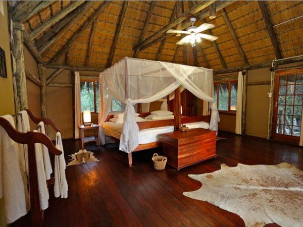 Kamer bij Camp Kwando