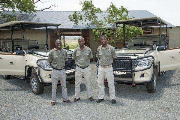 Chobe Elephant Camp safari voertuigen en gidsen